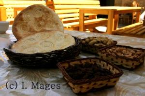 das gute usbekische Fladenbrot - meine Hauptmahlzeit
