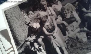 meine Großeltern (l.,m.) mit meinen Urgroßeltern (o., r.)