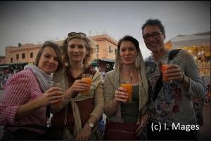neugefundene Freunde - nach einem Einkaufsbummel in den Souks von Marrakesch