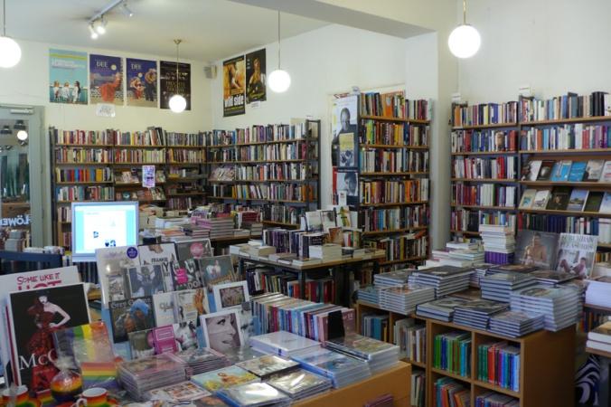 (c) Buchhandlung Löwenherz